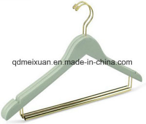 Factory Specializing in The Production of Wooden Hangers Real Wood Hangers The Golden Accessories Wood Hangers Can Be Customized Logo Printing (M-X3604) pictures & photos