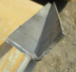 Equal Angle Steel pictures & photos