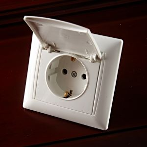 European Style Socket with Earthing with Protection F3029 pictures & photos