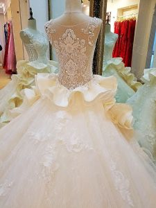 New Arrival White Satin Mermaid Sweetheart Lace up Back Chapel Train Appliqued Beaded Wedding Gowns 2017 pictures & photos