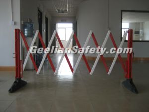 Retractable Construction Temporary Fencing/ Crowd Control PVC Barrier pictures & photos