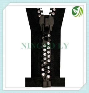 Diamond Zipper 3#, 4#, 5#, #7, 8#, 10# pictures & photos