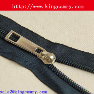 Custom Nylon Zipper Slider Head Nylon Zipper pictures & photos