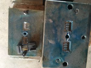 Injection Mold for Auto Car Connector Telematics pictures & photos