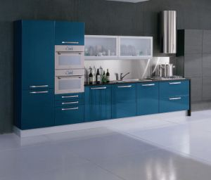 Luxury Customized Acrylic Kitchen Cabinet Doors (ZHUV) pictures & photos