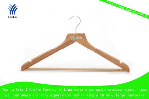 High Quality, Cheap Price and Regular Clothes Bamboo Hanger Ylbm6712h-Ntln1 for Supermarket, Wholesaler with Shiny Chrome Hook pictures & photos