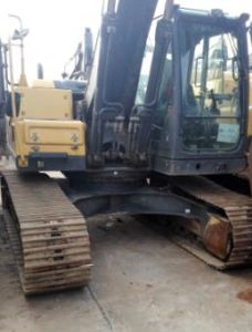 Volvo Heavy-Duty Used Mini Wheel Excavator for Sale in UAE Ec220d pictures & photos