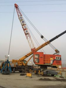 Offshore /Dock/Electric Marine Mobile Crane pictures & photos