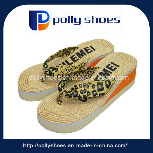 Custom High Quality Rubber Wedge Flipflop for Lady pictures & photos