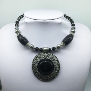 Big Attractive Black Stone Alloy Base Necklace (XJW13777) pictures & photos