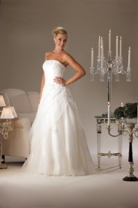 Ruche with Beading Ivory Wedding Dress Box Pleat Dress Uw3079
