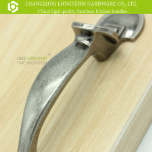 Exquisite Deburr 64mm Cabinet Drawer Handle Unique Design pictures & photos