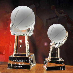 Crystal Ball World Globe in Hand Crystal Ball Trophy pictures & photos