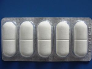 High Quality Anthelmintic Drugs Albendazole + Ivermectin Bolus pictures & photos
