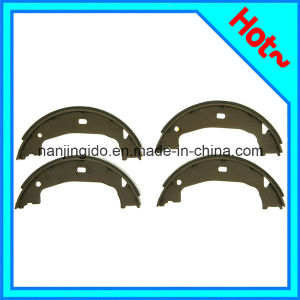 Auto Parts Brake Shoe Set for Mercedes Benz W220 2204200520 pictures & photos