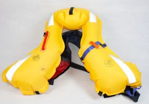 Solas Med Double Air Chamber Inflatable Lifesaving Jacket Equipment pictures & photos