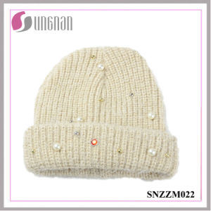 2016 Best Quality Knitted Sweet Pearl Diamante Wool Yarn Cap pictures & photos