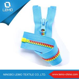 Plastic Zipper/ Nylon Zipper for Shipping Bag pictures & photos