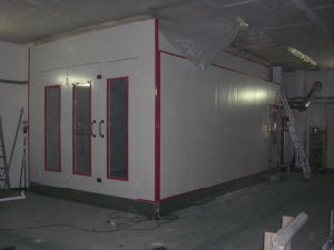 Car Spraying Booth Powder Coating Booth pictures & photos