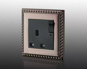 2016 New Design Good Quality UK 13A Switched Socket pictures & photos