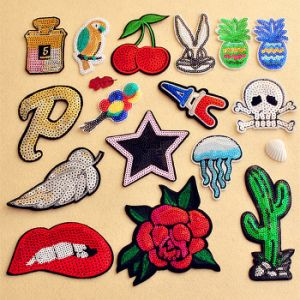 Iron on/Sew on Hot Sale Embroidery Patch for Decoration pictures & photos