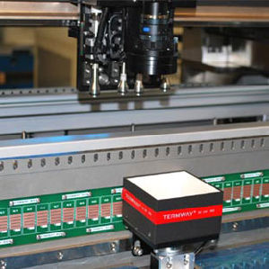 Full Automatic Pick&Pleace Chip Mounter for SMT Industry pictures & photos