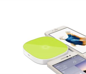 Qi Standard Wireless Charger Transmitter Gift for Samsung S7 iPhone pictures & photos