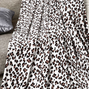 Leopard Printed Coral Fleece Queen Size Blanket pictures & photos
