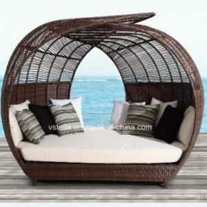 Outdoor Patio Garden Rattan Wicker Sun Lounger pictures & photos