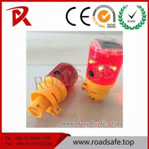 Traffic Block Emergency Solar LED Warning Traffic Cone Light pictures & photos
