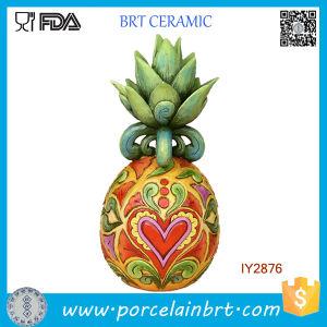 Custom Desk Decor Resin Pineapple Figurine pictures & photos