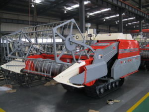 Rice and Wheat Combine Harvester (4LZ-2.0) pictures & photos