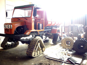 Rubber Track Conversion System for New Holland Combine Harvester pictures & photos