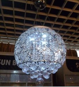 Die-Casting Aluminum Modern Small Chandelier pictures & photos