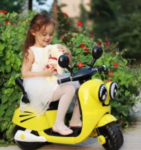 Baby Car Children Battery Car Kids Electric Ride on Toy Car pictures & photos