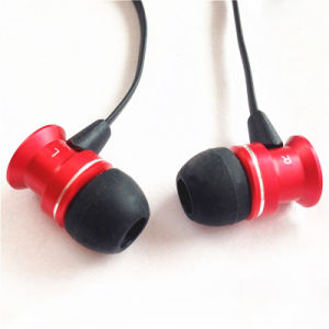 3.5mm Flat Cable Earphone with Microphone pictures & photos