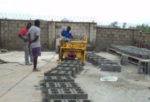 Movable Portable Mobile Brick Block Making Machine Qt40-3A pictures & photos