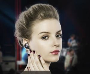 Wireless Stereo Sports Bluetooth 4.1 Earphone Headset Earphone pictures & photos