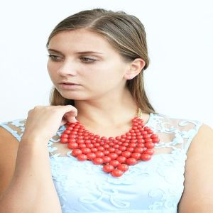 New Design Red Acrylic Necklace Fashion Jewelry pictures & photos