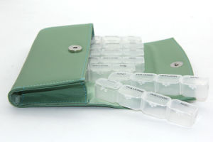 Pill Case with Date Letters Plastic Pill Box, Pill Cutter Box with PU Bag pictures & photos