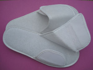 Hotel Slipper with Velcro Type in Towel Material pictures & photos