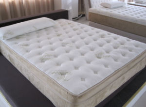 California King Size Memory Foam Mattress pictures & photos