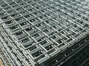 China Manufacturer of Welded Mesh Panel pictures & photos
