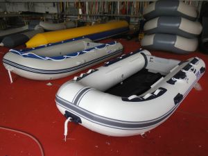 10.8FT 3.3m Inflatable Rubber Sport Boat and Rescue Boat with Hypalon or PVC Material Hy-E/S330 with Ce Certification in Hot Sale pictures & photos