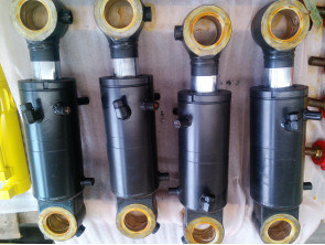 Mitsubishi Forklift Hydraulic Cylinder/ Forklift Parts/ Hydraulic Parts pictures & photos