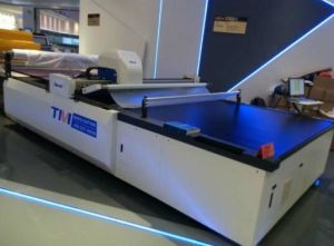 Tmcc-1725 Knitwear Cutting Machine with Compression Cutting Height 90 mm for Big Garment Factory pictures & photos