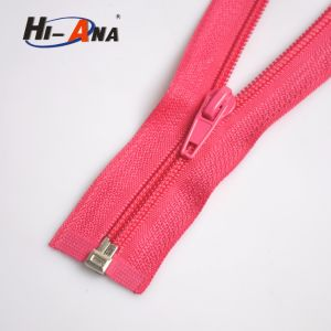 More 6 Years No Complaint High Quality Zipper Puller pictures & photos