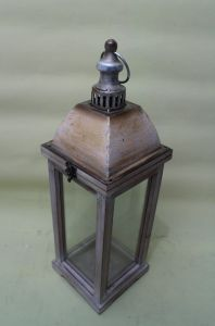 Golden Printed Antique Medieval Tower Shape Glass Door Garden Art Lantern pictures & photos