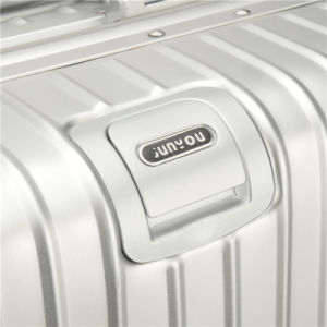 Factory Directly Wholesale Price All Aluminum Trolley Luggage pictures & photos