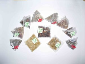 Sk-150s Nylon/Pyramid/Triangle/Rectangular Tea Bag Packing Machine pictures & photos